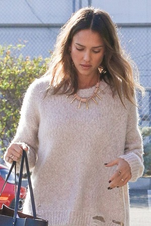 Are Jessica Alba's Fuzzy Waves Twinning With Her Sweater?