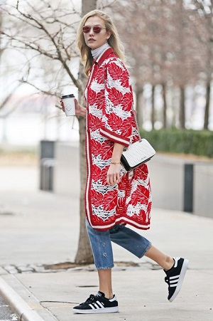 Winter Storm? Who Cares! Karlie Kloss Proves the Power of Tropical Prints